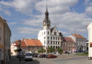 Zdroj foto: www.wikipedia.org | Dukelské náměstí, Hustopeče - ILUSTRAČNÍ FOTO